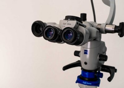 Zeiss surgical microscope for dentistry